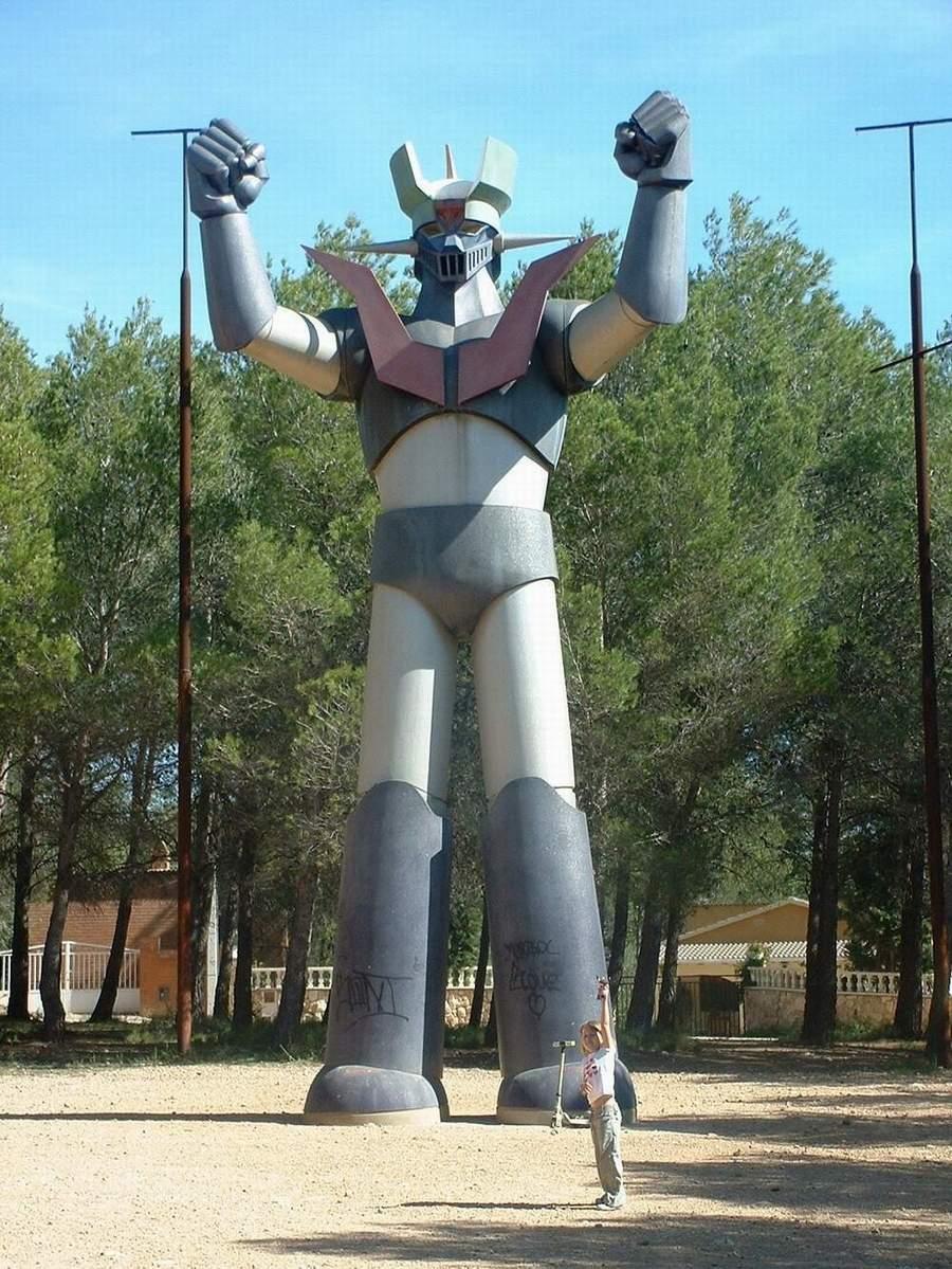 http://www.theoldrobots.org/images6/robot51.JPG